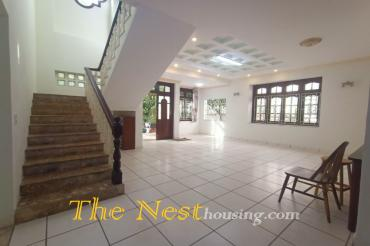 House for rent in Thao Dien, District 2, has 3 bedroom with garden cheap price 2300