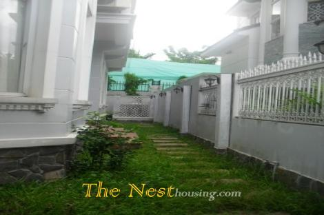 Villa for rent in compound Thao Dien