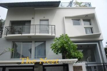 Modern villa for rent in compound, close to An Phu supermarket