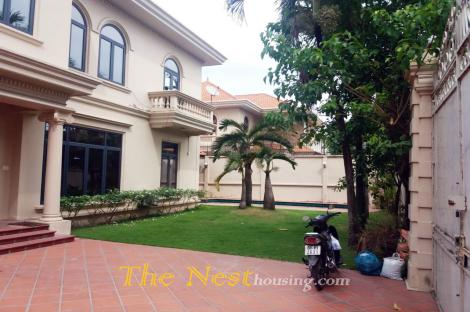Villa with garden - swimming pool in Thao Dien ward, Dist 2, HCMC