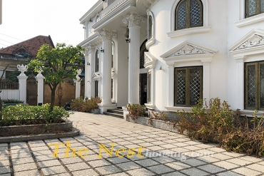 Spacious villa for rent in An Phu with swimming pool and 7 bedrooms, district 2