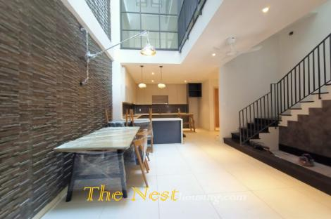 House 4 bedrooms plus 2 office rooms for rent
