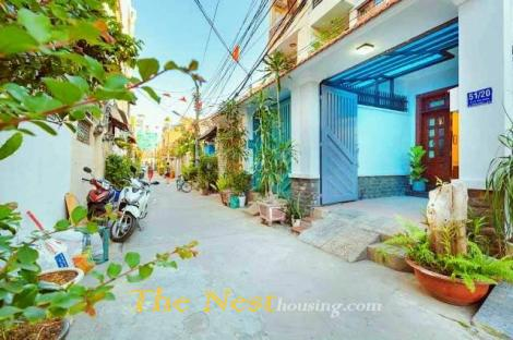 Cozy townhouse 4 bedrooms contact Ms Thao 0903 626 800
