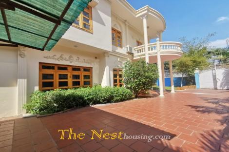 Villa for rent in Thao Dien close to An Phu supermarket