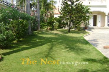 Villa for rent in Thao Dien in Thao Dien, 5 bedrooms, nice swimming pool