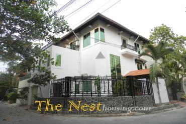 House for rent in district 2, nearly Sai gon Bridge