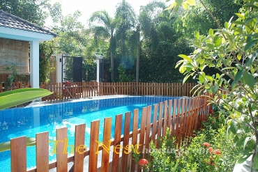 Beautiful villa for rent in compound, 4 bedrooms, partly furnished, good location, 4500 USD