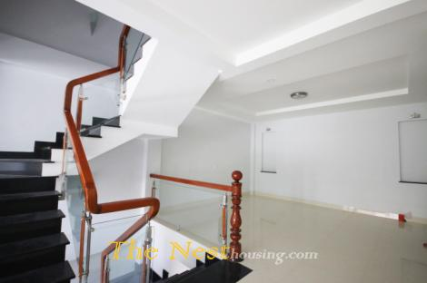 Brandnew house for rent in Thao Dien, 4 bedrooms, good location