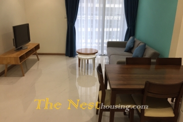 A nice 1 bedroom apartment for rent in Vinhomes Central Park, swimming pool, 800 USD