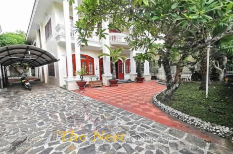 Charming villa for rent in compound Thao Dien
