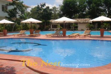 Modern villa for rent in compound