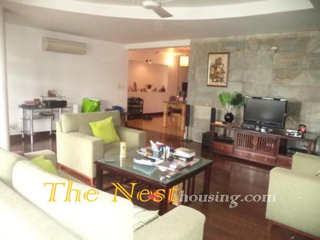 Duplex 3 bedrooms for rent in District 3