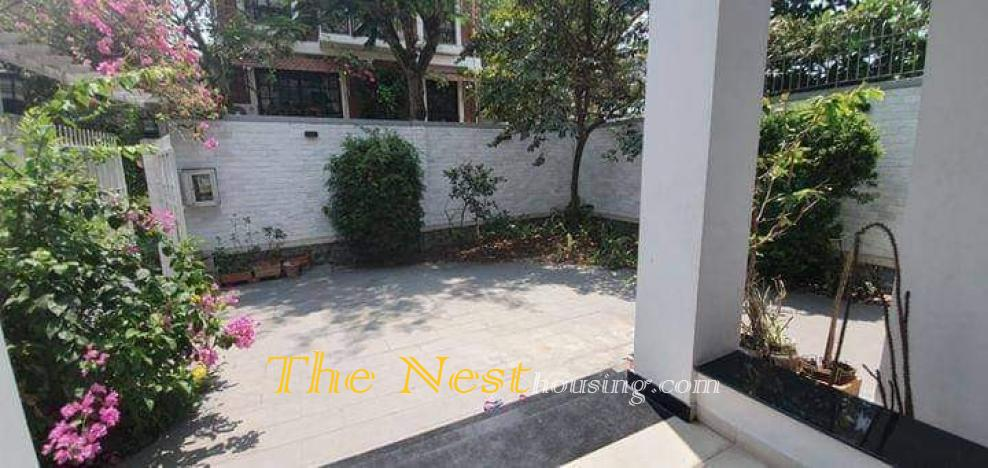 Charming villa for rent in compound, 4 bedrooms, quiet area, 2700 USD