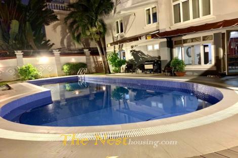 Villafor rent in compound Thao Dien