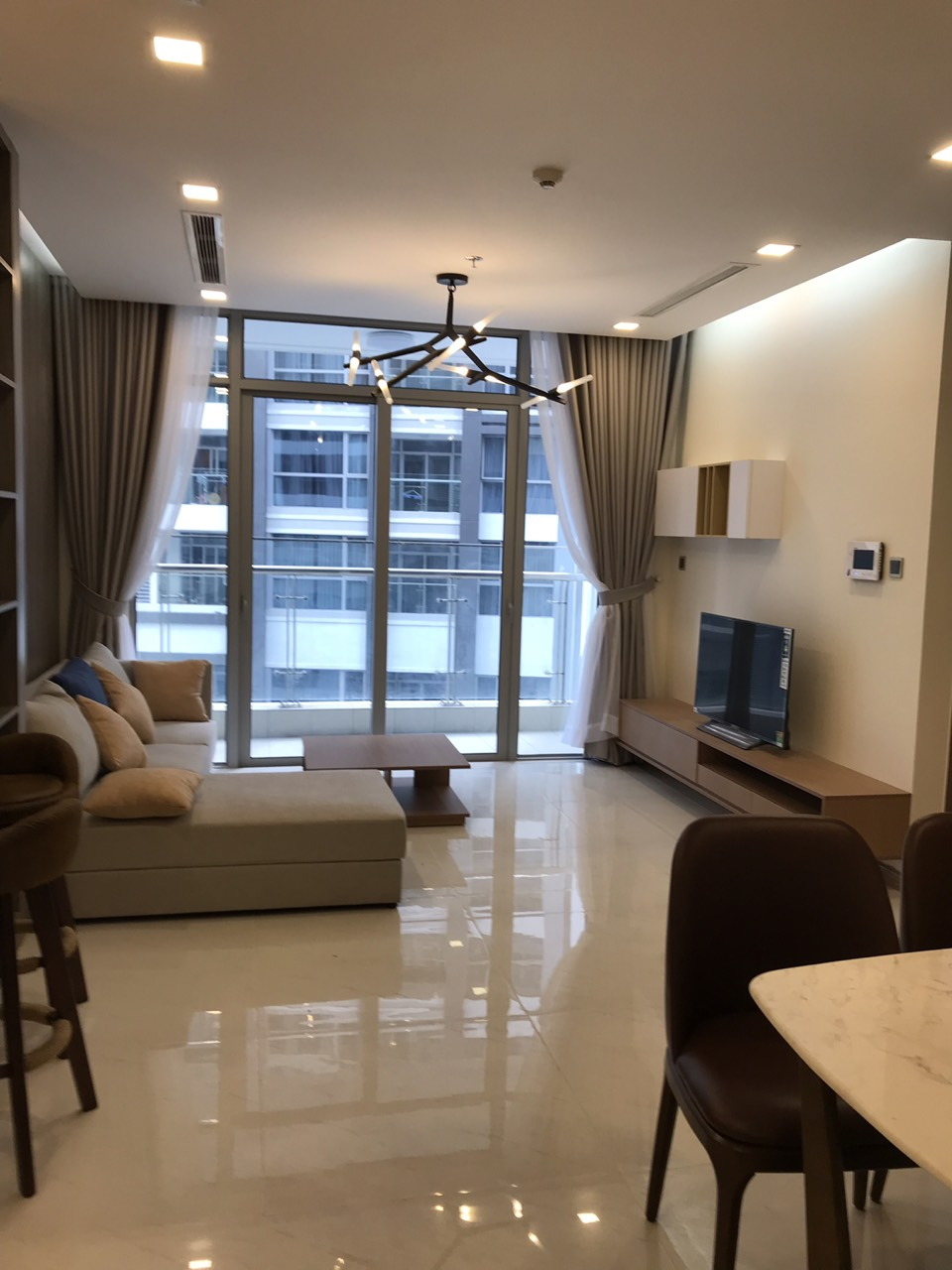 2 bedrooms apartment for rent in vinhomes central park for One and two bedroom apartments