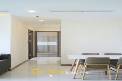 2 Bedrooms Apartment For Rent In Vinhomes With high quality furnished