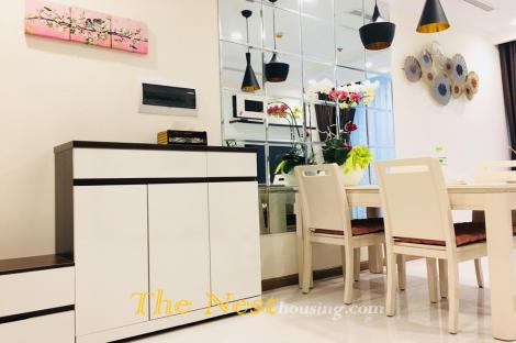 Vinhomes Central Park with large 2 Bedrooms Apartment For Rent