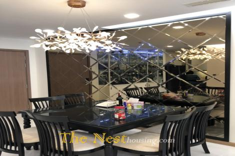 2 Bedrooms Apartment For Rent in Vinhomes