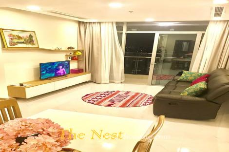 Vinhomes Central Park with 2 Bedrooms Apartment For Rent